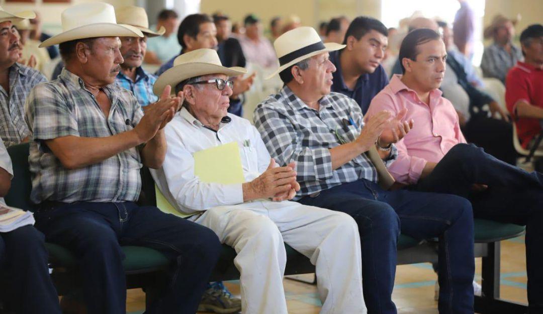 Gobierno federal entrega títulos de propiedad a 200 ejidatarios