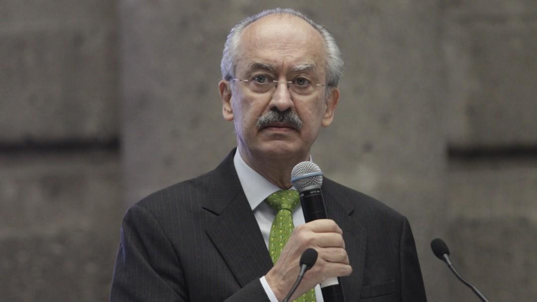 Francisco Gil Díaz ronda la Suprema Corte por Oro Negro