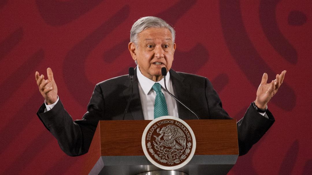 Y va de nuez, ahora AMLO propone a su ayudante Carrizales para Pemex