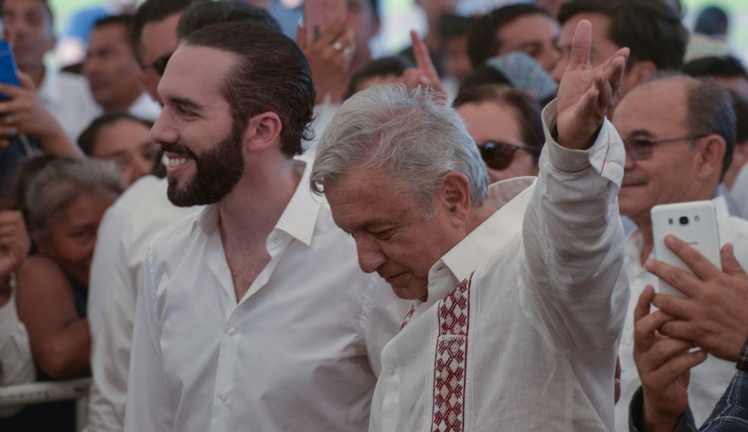 Firma AMLO acuerdo con El Salvador