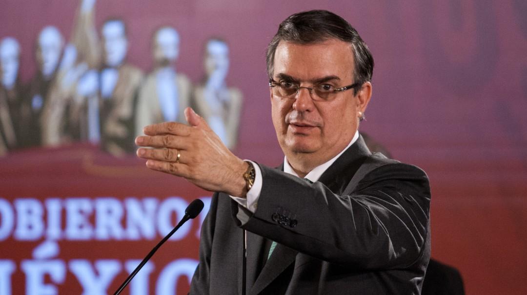 Ebrard pide a embajadores hablar bien de México