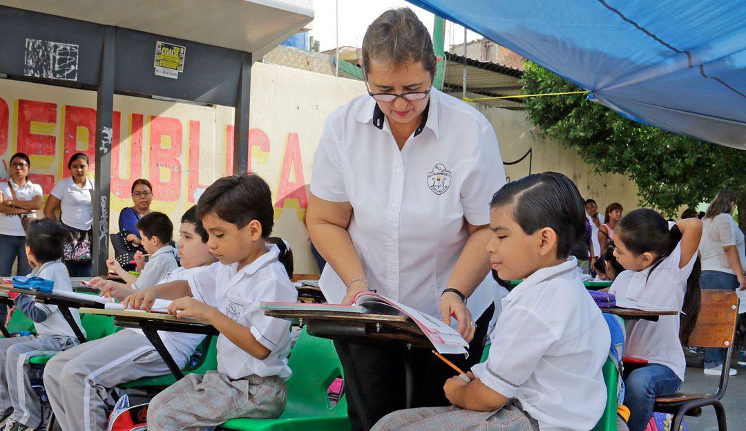 Reinstala SEP a maestros cesados por Reforma Educativa