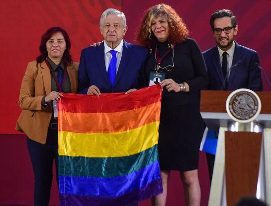 Orgullo LGBT; la CDMX se pinta de arcoíris