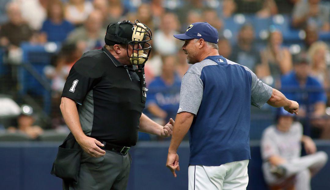 Umpire del béisbol.