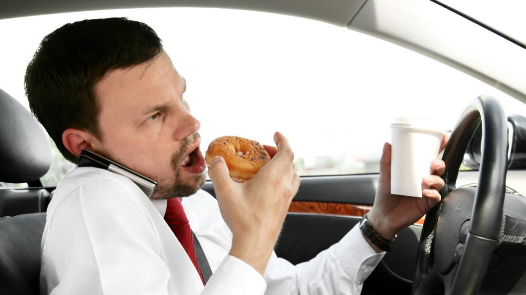 Calma; comer rápido tiene sus implicaciones