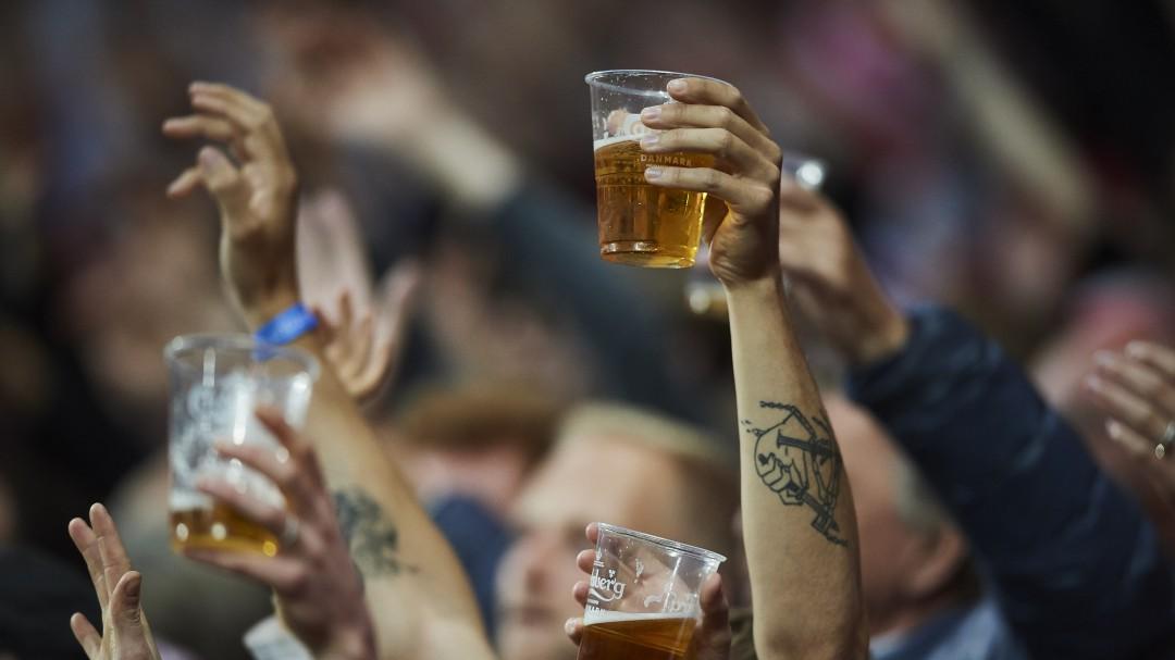 No se podrá tomar alcohol en las butacas de los estadios en Catar 2022