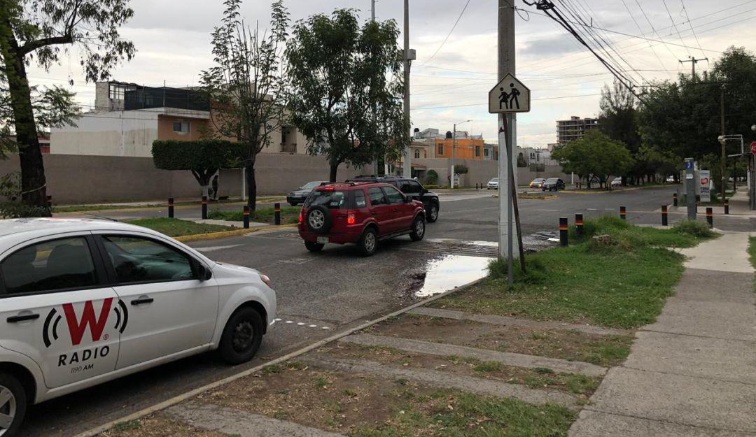 En la zona del accidente hay reductores de velocidad y señalamientos viales