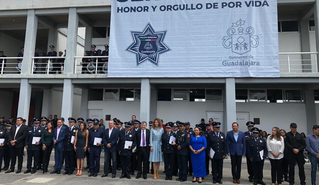 """""""Misión cumplida""""; Comisaría tapatía homenajea a oficiales"""