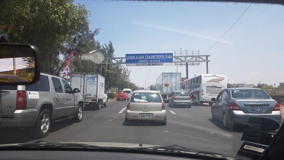 Fallece hombre arrollado en carretera a Chapala