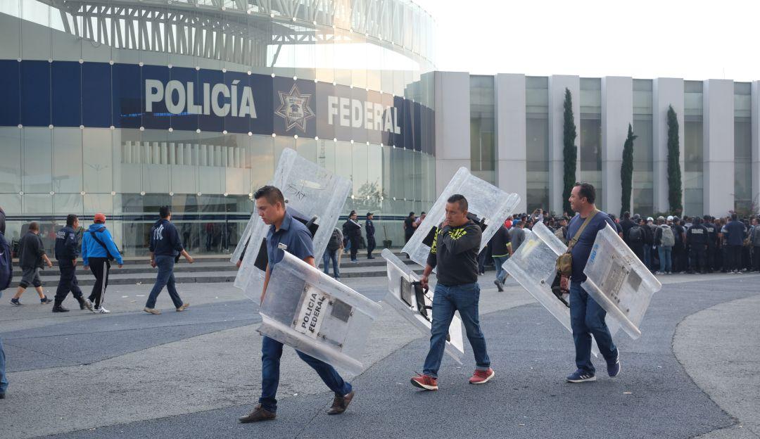 Policía quiere a Felipe Calderón de líder sindical, los demás lo rechazan