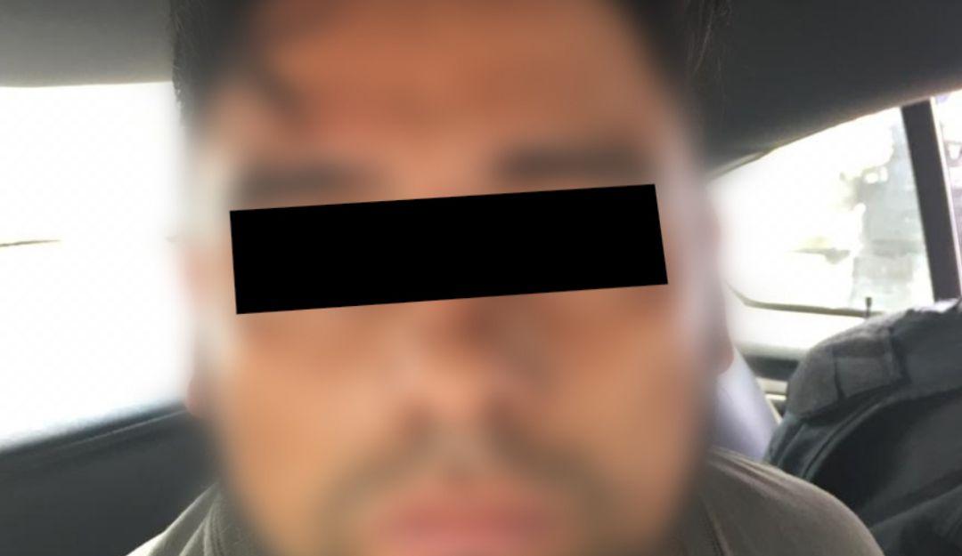 Sorprenden a hombre cuando amenazaba a su ex pareja con pistola en mano