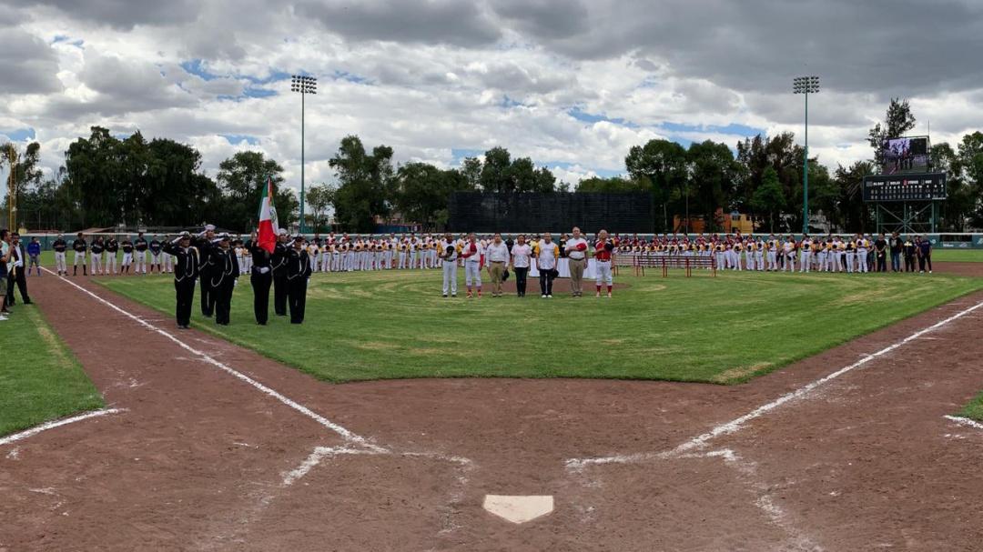 Inaugura alcaldía Venustiano Carranza, escuela de béisbol