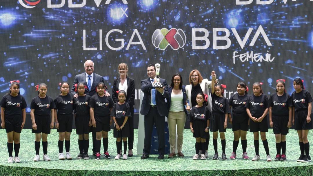 Fútbol femenil mexicano, entre abucheos y obstáculos: Geo González