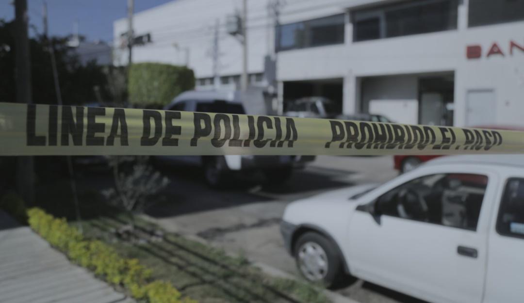 Se registra balacera entre civiles y policías