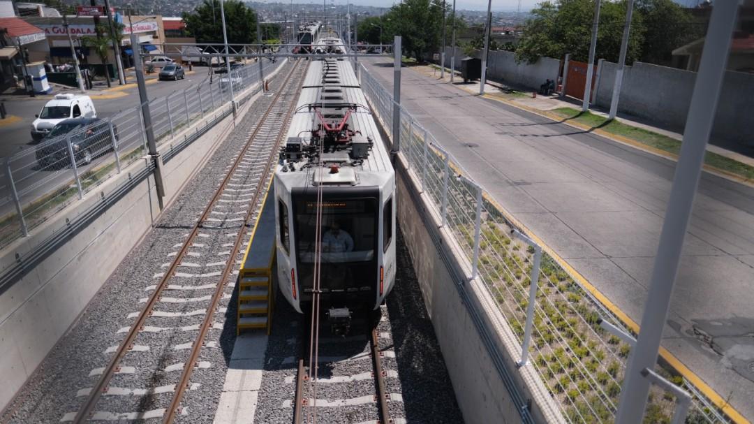 Entregan modernización de Línea 1 del SITEUR