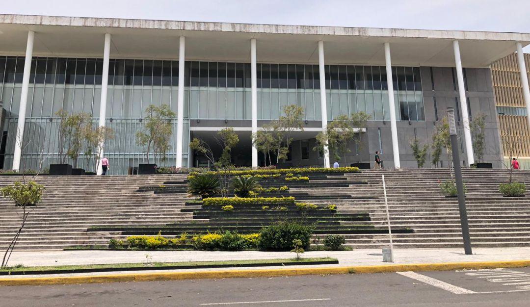 Ciudad Judicial con peligro de caer por goteras