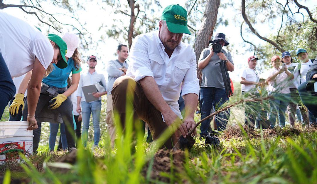 Reforestan La Primavera Extra A.C. y gobierno de Jalisco