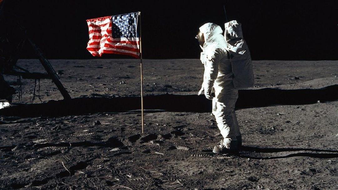 SOPITAS: A 50 años del Apollo 11