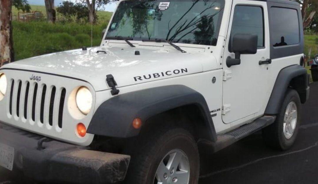 Recuperan cuatro de los 12 autos robados de un lote