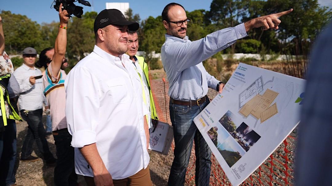 Enrique Alfaro se compromete ante alcaldes a mejorar la infraestructura