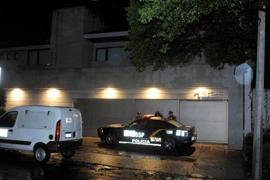 Ladrones intentan saquear casa de Angélica Rivera
