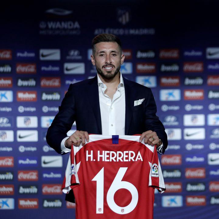 Héctor Herrera encabeza promoción del uniforme del Atlético