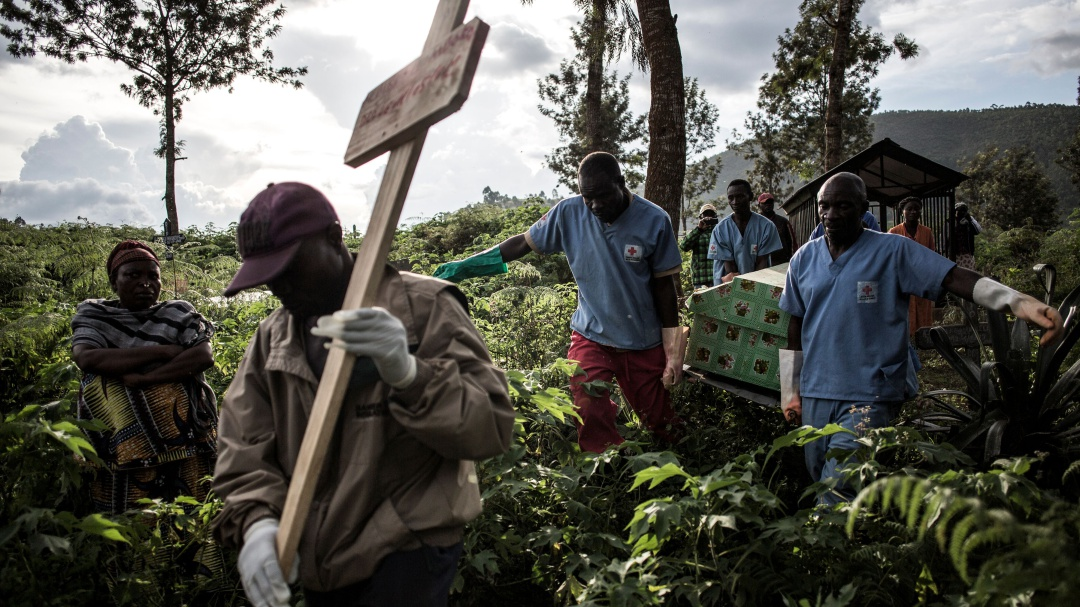 El contrataque del ébola: emergencia de salud pública internacional