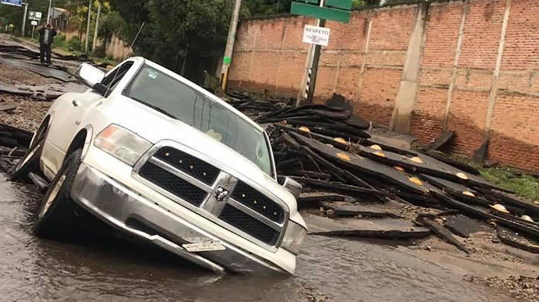 Lluvia causa inundaciones en Guadalajara, Morelia y Oaxaca