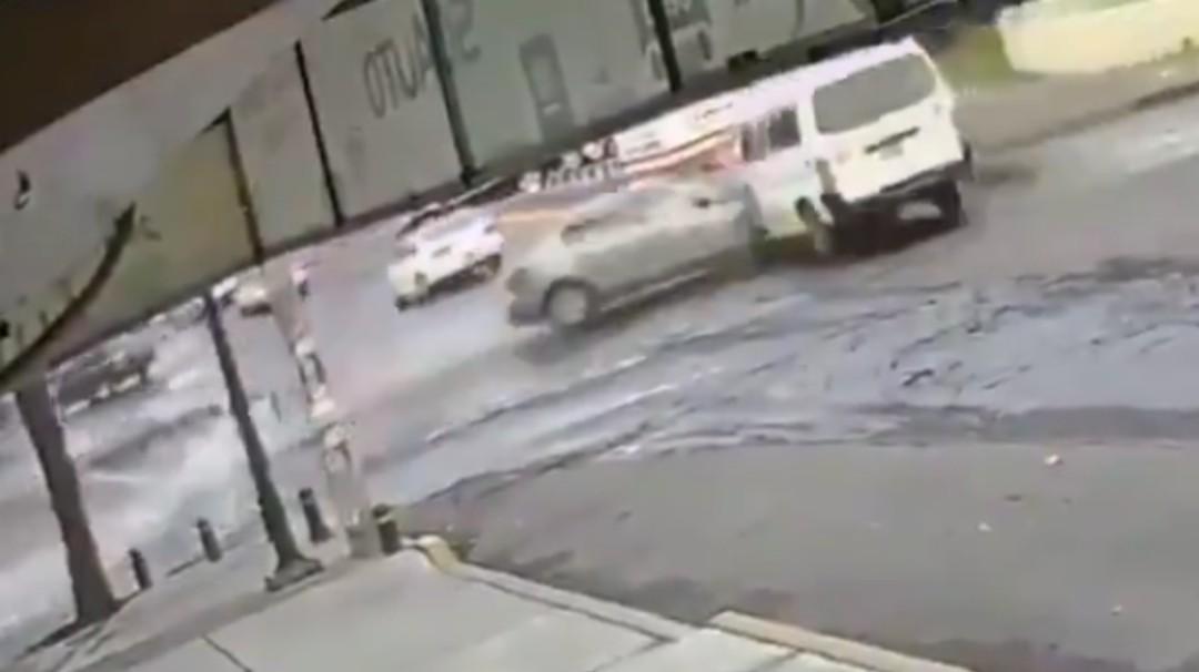 Policías de la CDMX presencian fuerte choque y no auxilian a los víctimas