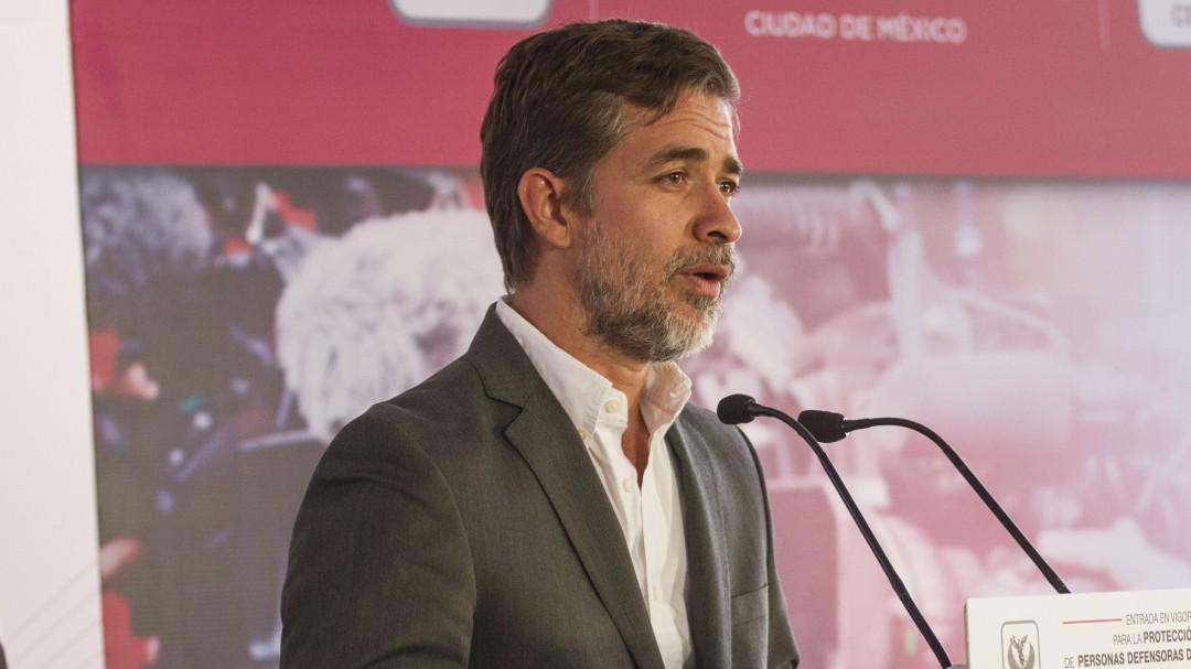 AMLO quiere que todos le aplaudan: Darío Ramírez
