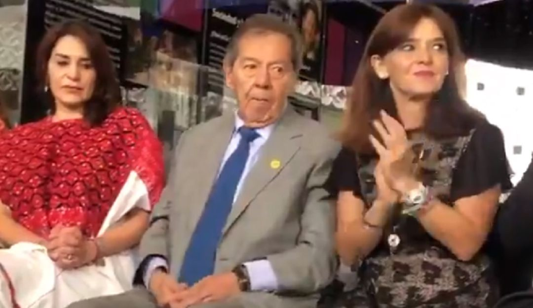 "Festeja Muñoz Ledo cumpleaños 86, sin ""moches"""