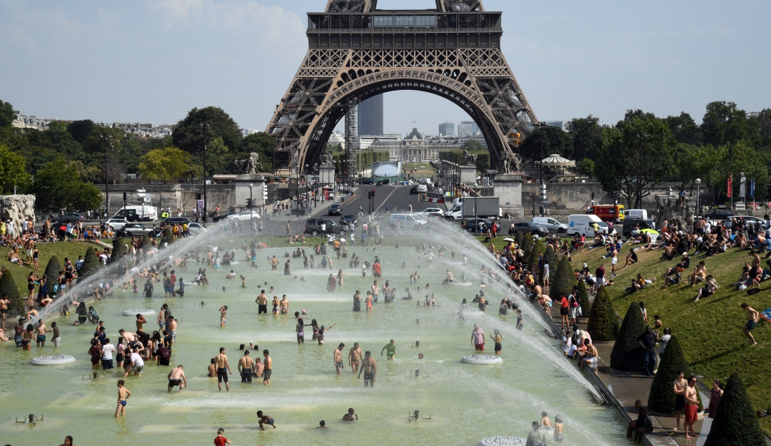 En problemas; fuerte ola de calor en Europa rompe récord de más de 40°C