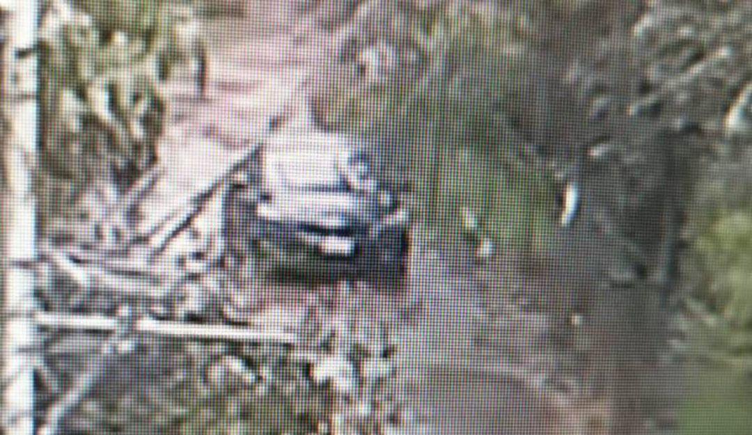 Localizan vehículo en el que huyeron sicarios de Plaza Artz