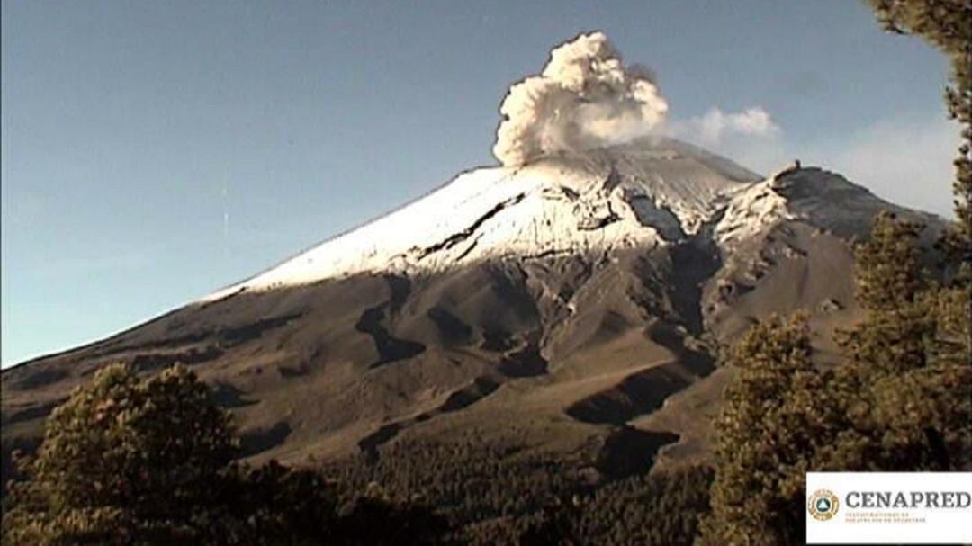 Registra Popocatépetl 290 exhalaciones en las últimas 24 horas