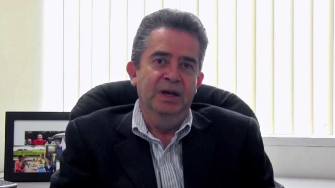 México justifica la violencia: Fernando Senties
