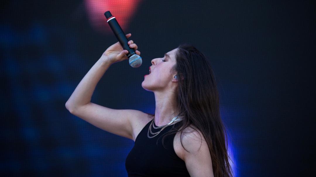"""Francisca Valenzuela estrena """"Héroe"""" en Exclusiva para WFM"""