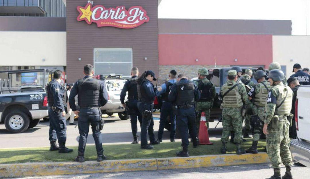 Identifican a sicario muerto en balacera de Plaza Galerías