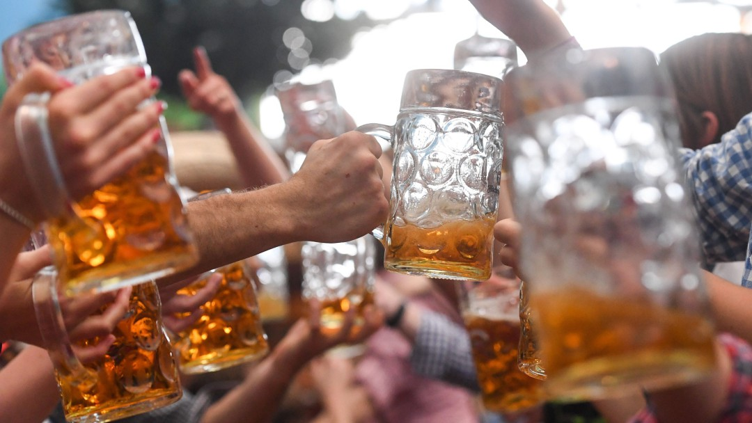 SOPITAS: Día Mundial de la Cerveza