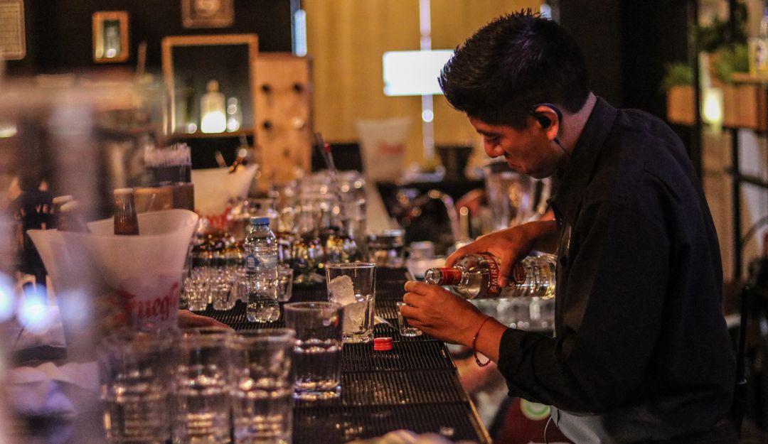 Solo para mayores; 21 años podría ser la edad legal para beber