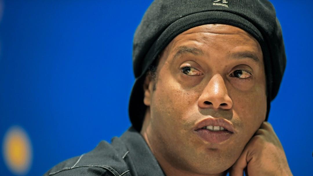 Ronaldinho se encuentra endeudado