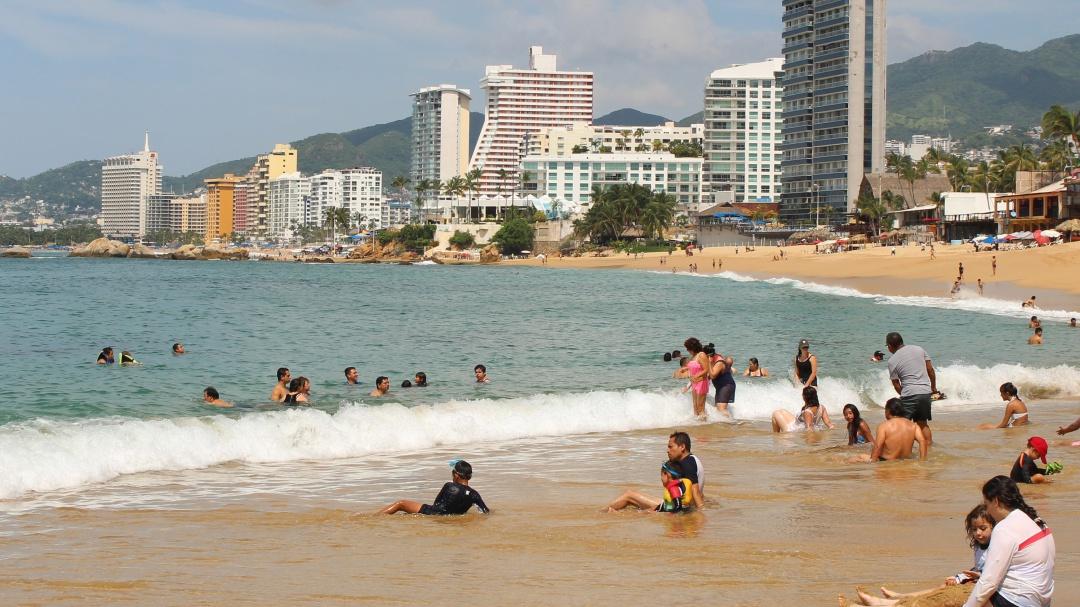 A mi manera: ¿Por qué bucear en Acapulco está de moda?