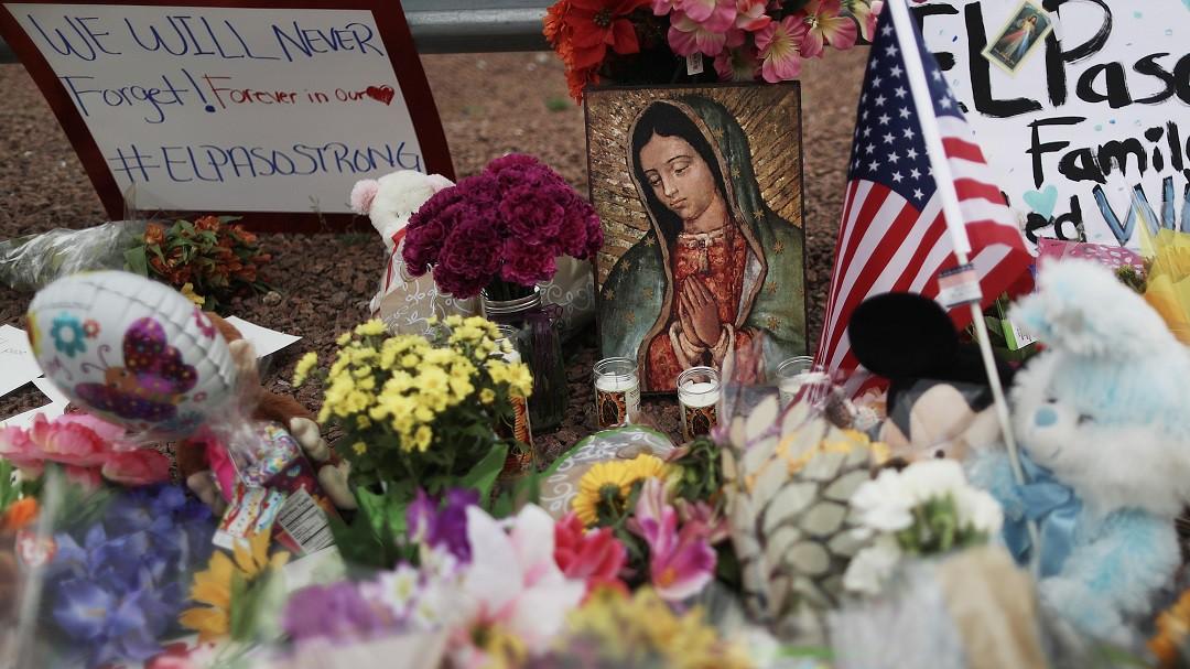 Trump debe parar venta de armas: hermana de víctima de El Paso