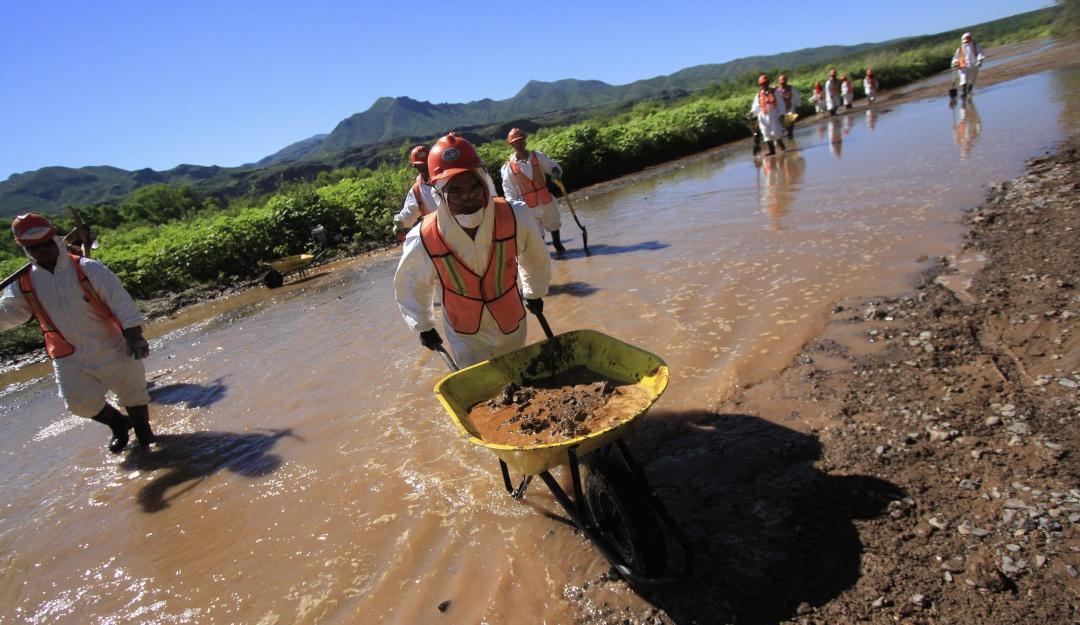 Semarnat revisa obras de mitigación en Río Sonora a 5 años de derrame