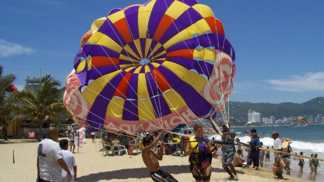 A mi manera: El origen del parachute acapulqueño