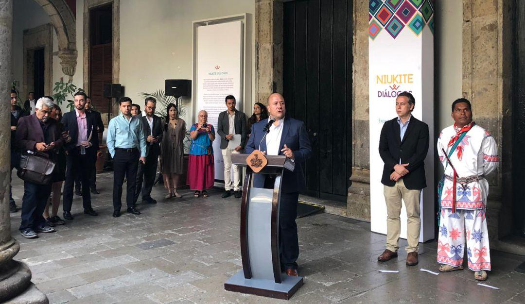 Inauguran exposición homenaje a legua Wixárika