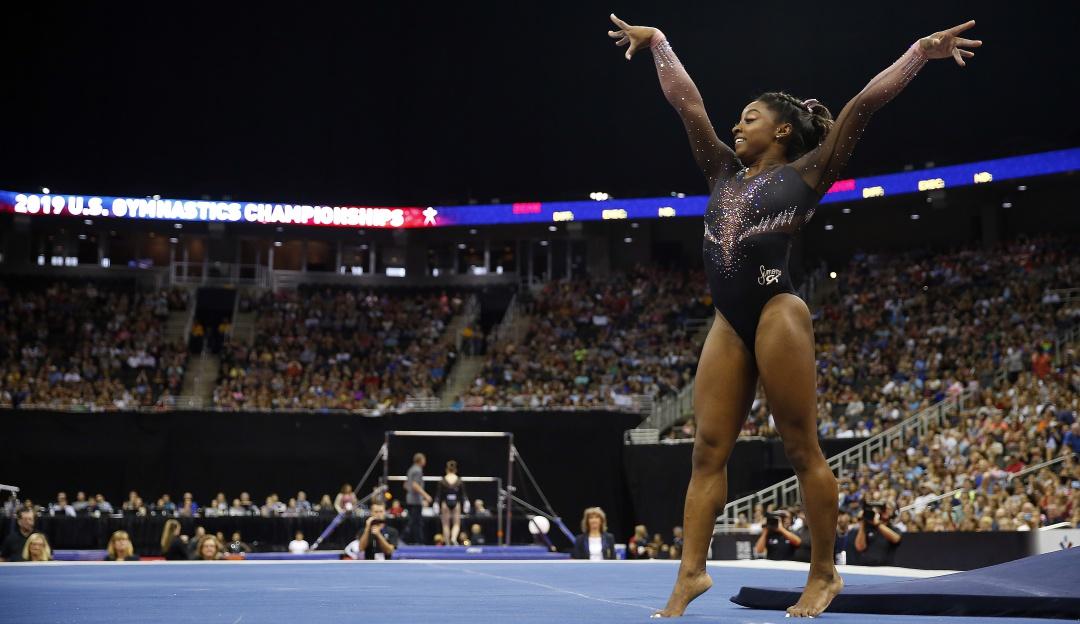 De otro planeta; Simone Biles sorprende con 2 saltos nunca antes vistos
