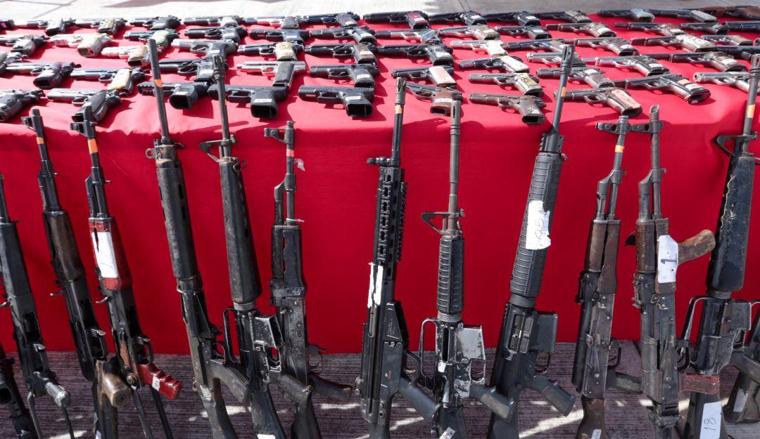 Rebasan en número las armas ilegales que entran a México: Sedena
