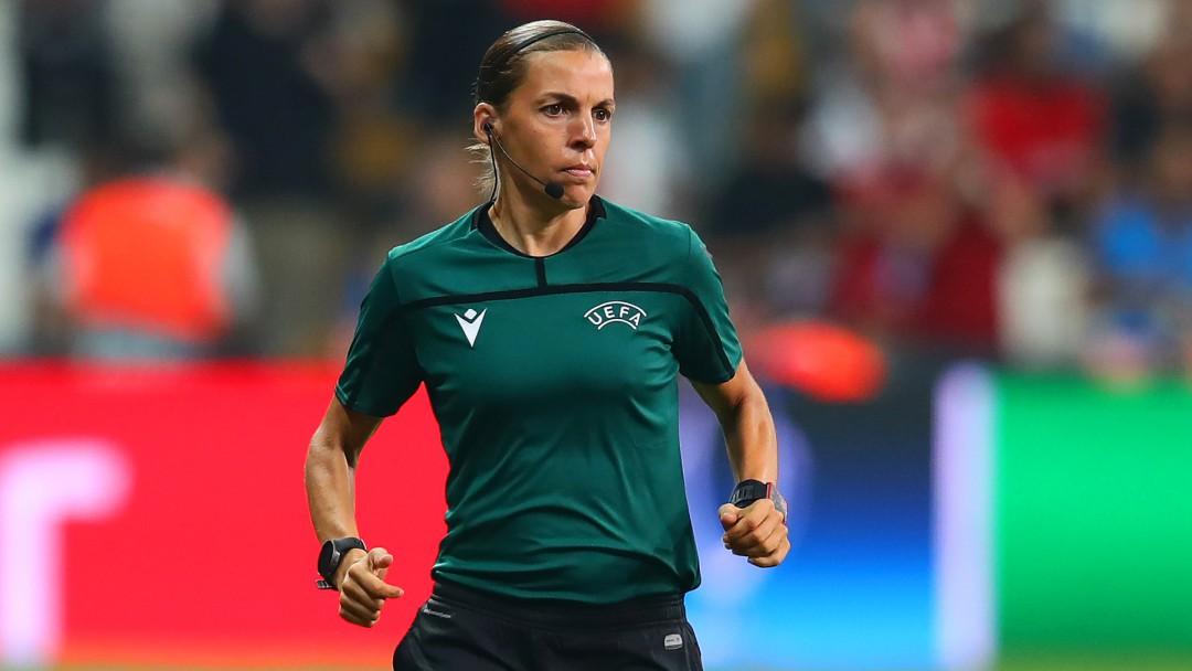 Stéphanie Frappart hace historia en el futbol