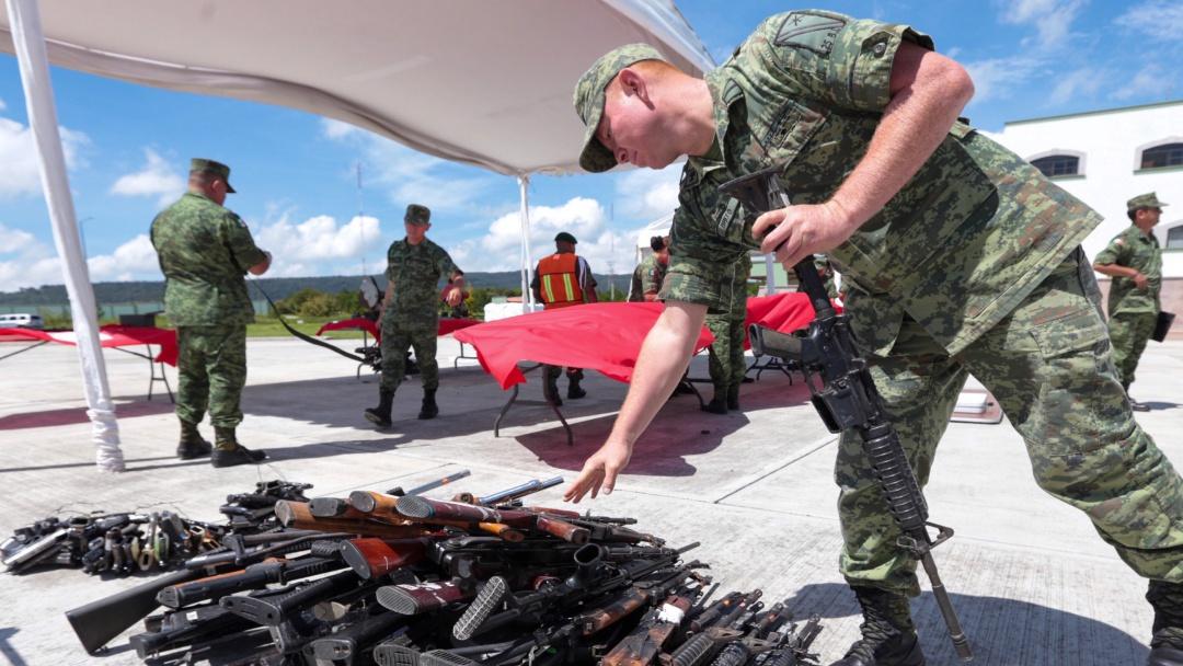 Aduana mexicana debe controlar flujo de armas: Juan Ibarrola