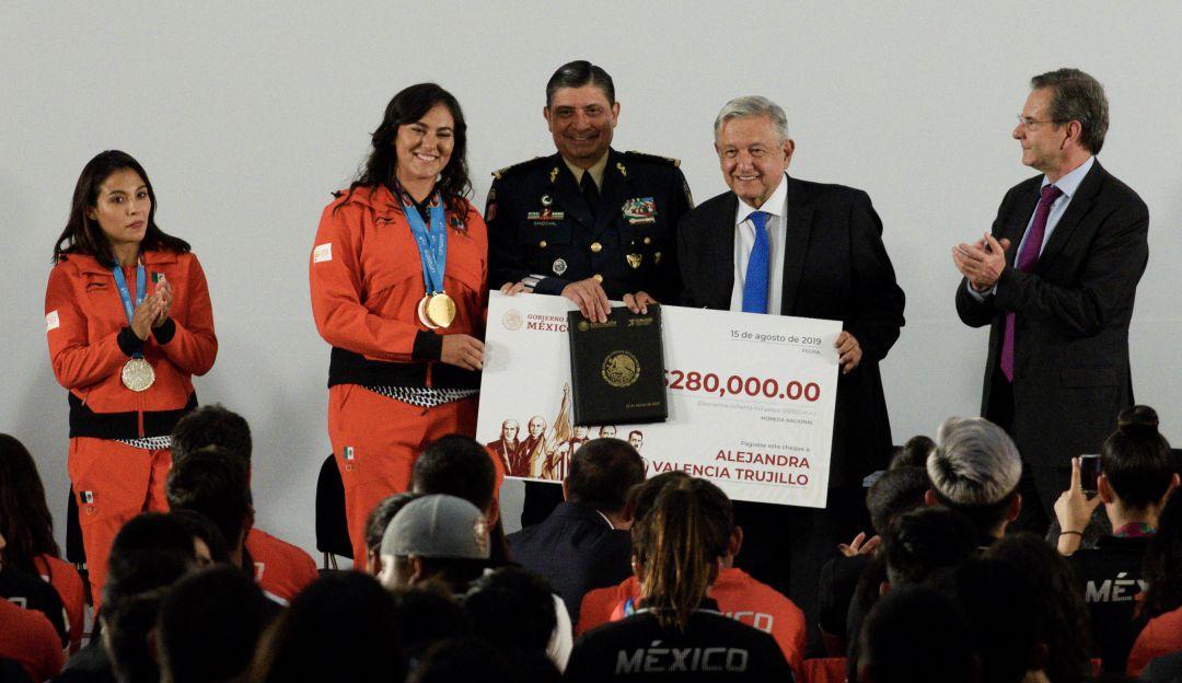 AMLO: No queremos colgarnos ninguna medalla: López Obrador